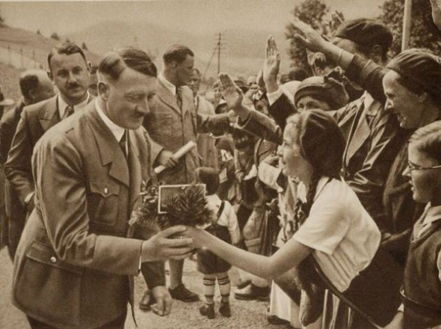 640px-adolf-hitler-receiving-flowers_ny