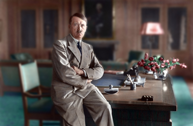 640px-Bundesarchiv_Bild_146-1990-048-29A,_Adolf_Hitler-colorized