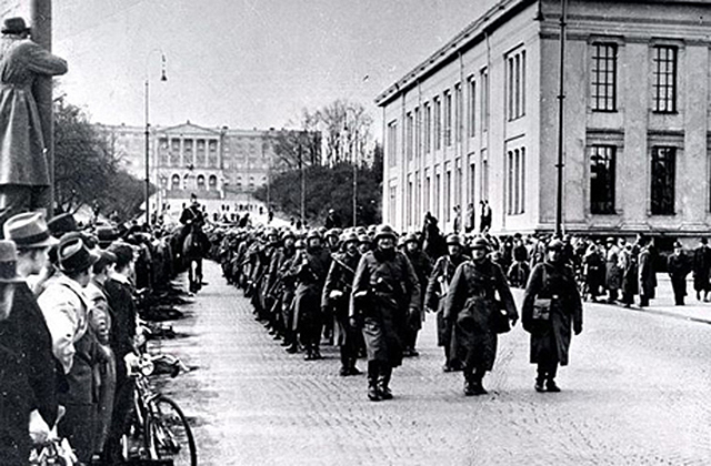 758px-German_soldiers_in_Oslo_9_April_1940