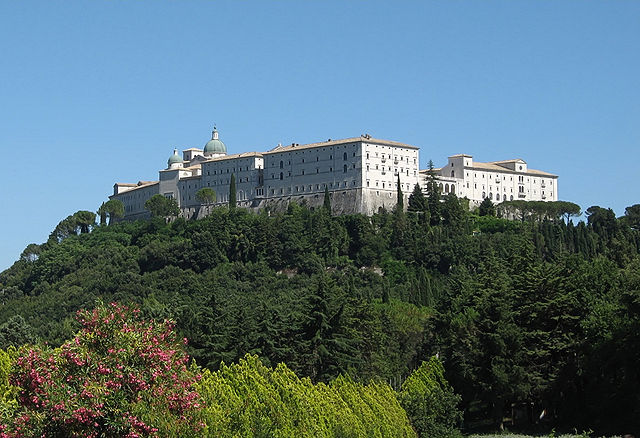 640px-Monte_Cassino_abbey_from_cemetery