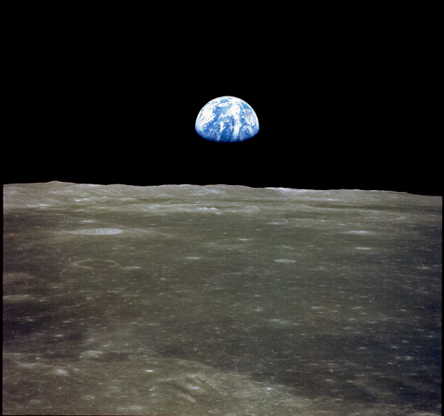 640px-apollo_11_earthrise