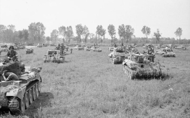 640px-The_British_Army_in_Normandy_1944_B7650