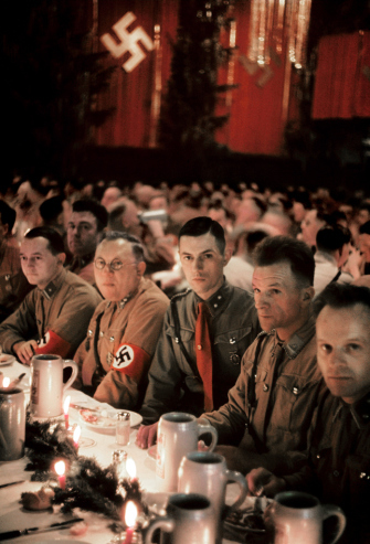04-Scene-from-a-Christmas-party-in-Munich-thrown-by-Adolf-Hitler-for-his-generals-1941